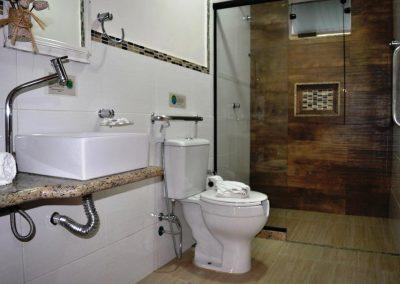 banheiro - pousada encanto do pero - cabo frio