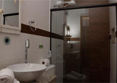 nossos banheiros - pousada encanto do pero - cabo frio